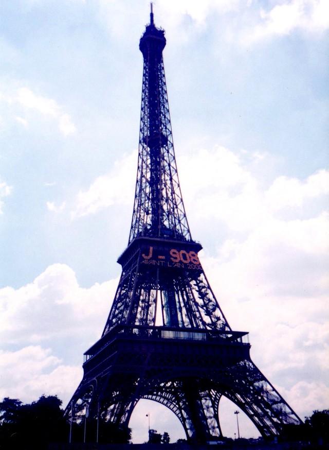 eiffell tower 1997