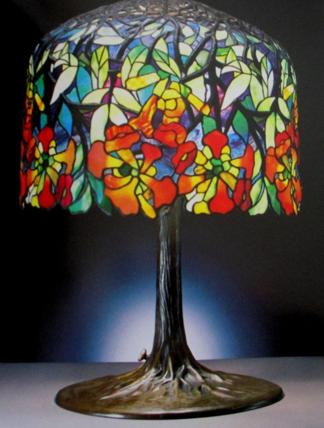 Tiffany lamp favrile glass