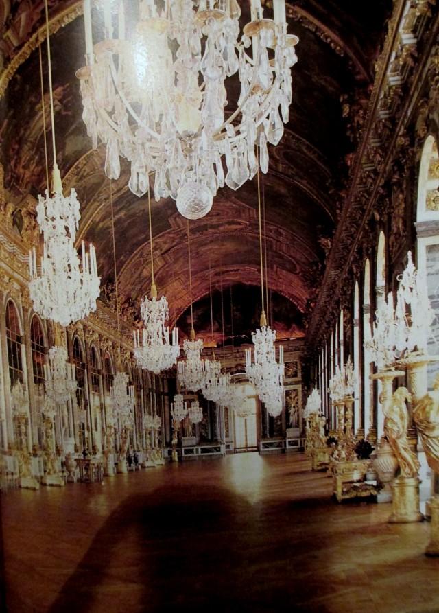 versaillies hall of mirrors