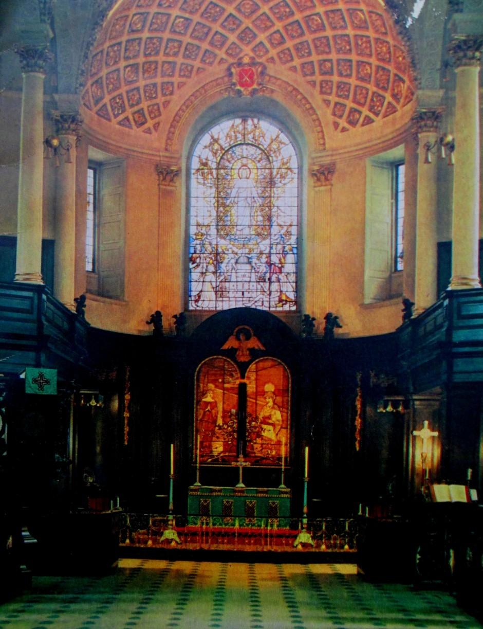 St Clement Danes - Interior