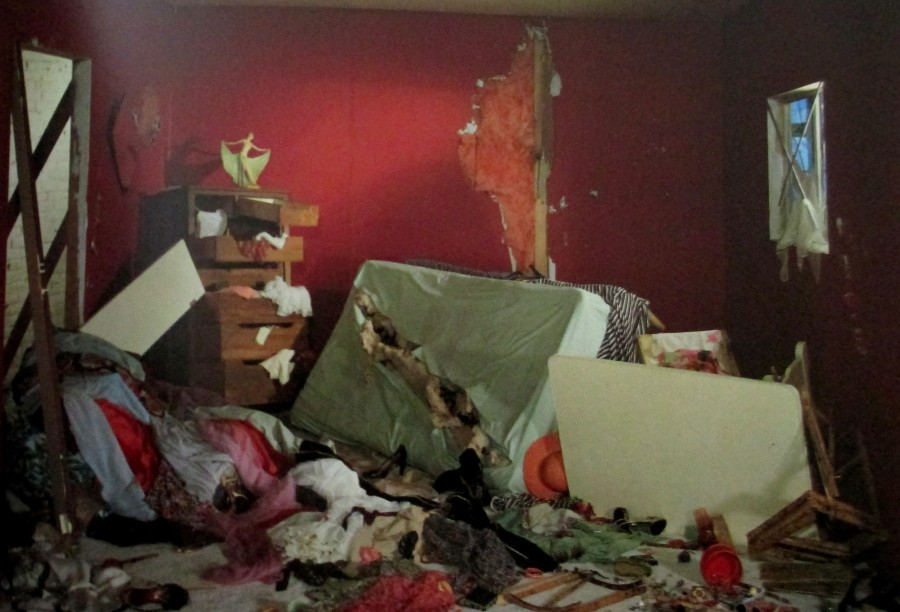 Geoff Wall, The Destroyed Room, art, is it art?