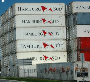 Hamburg Sud containers