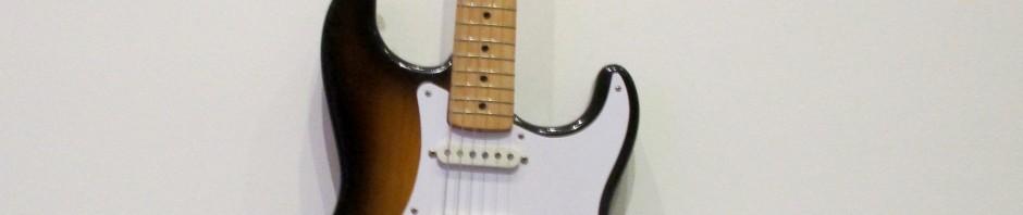 Leo Fender   Fender Stratocaster Electric Guitar